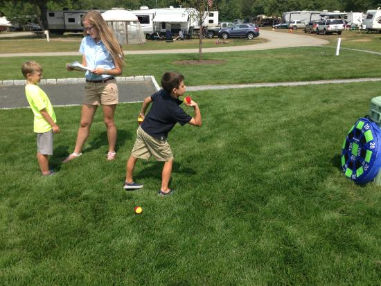 Seaport RV Resort and Campground: Carnival Games!