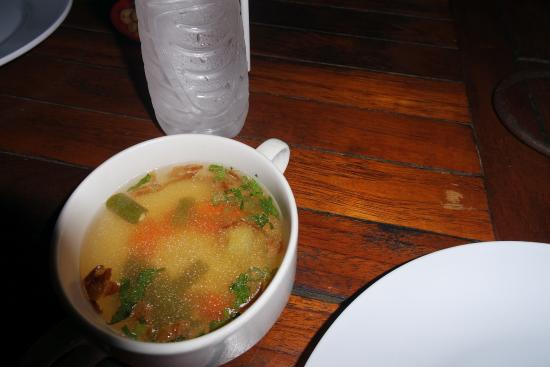 Nyoman Cafe Jimbaran: complimentary soup that comes with whatever you buy