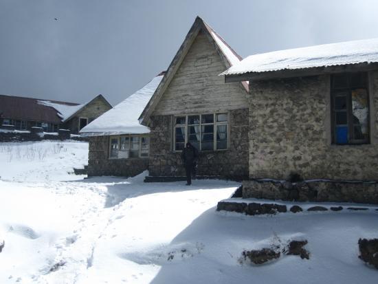 Национальный парк Сингалила, Индия: DGHC Trekkers' hut at Sandakphu