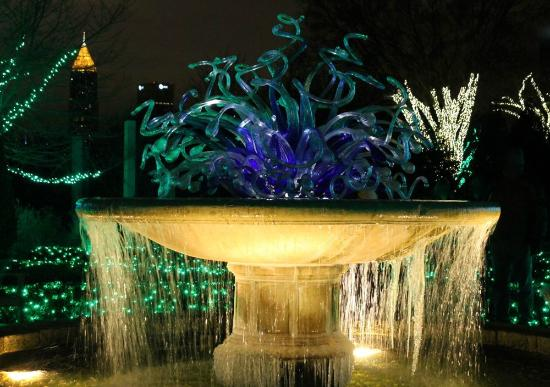 Chihuly Fountain At Christmas For Holiday Lights Display Picture Of Atlanta Botanical Garden