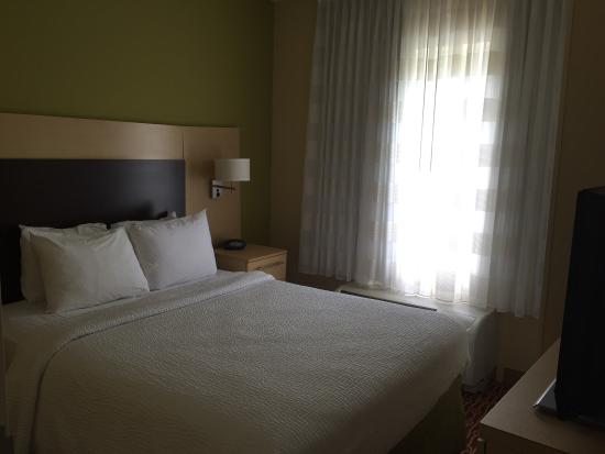 TownePlace Suites Jacksonville: Bedroom 1
