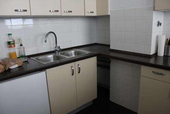 Town Apartments Checkpoint Charlie: Una parte della cucina