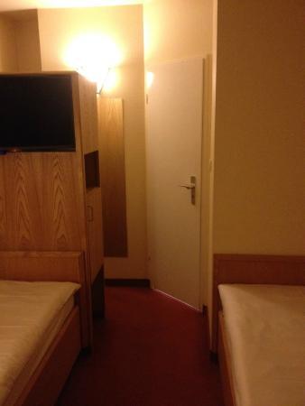 Best Western Hotel Hamburg International : Kamer(tje)