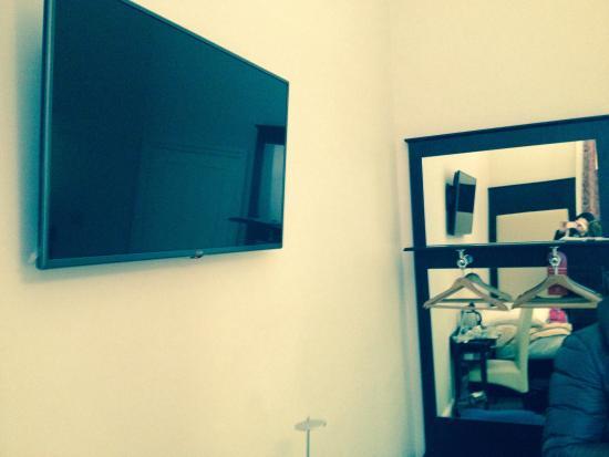Tv con \