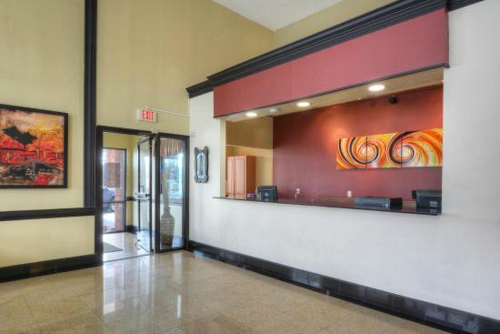 Red Roof Inn Charlotte UNCC: Lobby