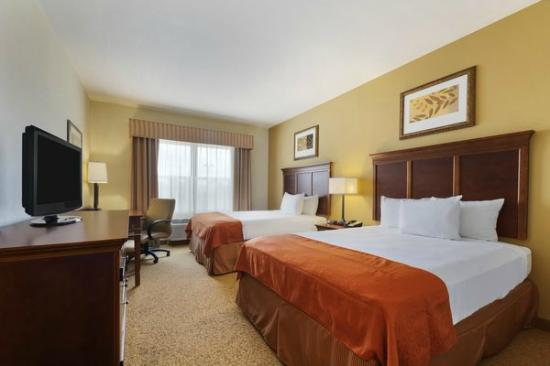 Country Inn & Suites By Carlson, Texarkana : Two Queen-Bedroom