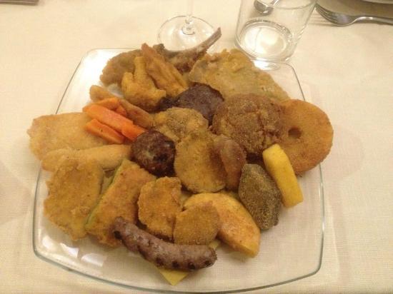 Trattoria Risorgimento: fritto misto alla piemontese, 21 pezzi o forse più