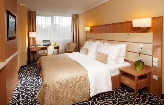 Orea Hotel Pyramida: DeLuxe double room