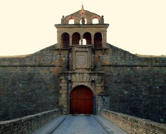 Ciudadela de Jaca: Puerta de ingreso en la fortaleza.