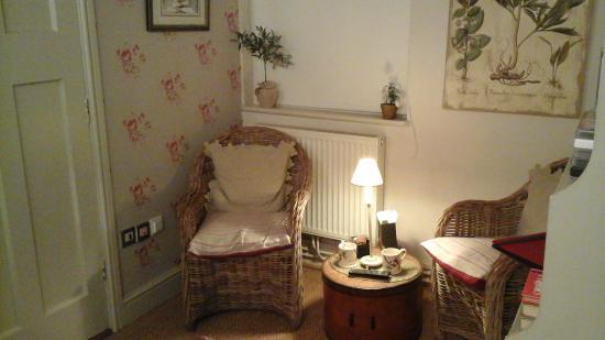 Ivydene House: seating area