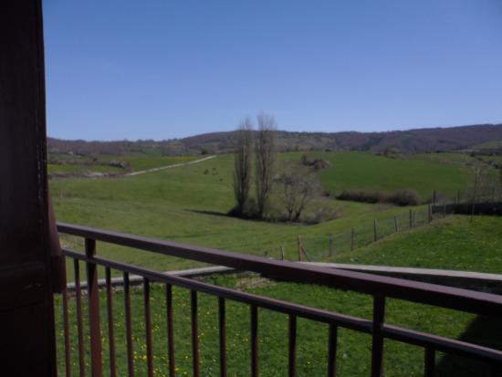Bizkarreta-Gerendiain, Espanha: Looking out the window