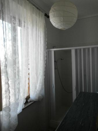 Casa Italia: la camera del pianoforte - bagno privato