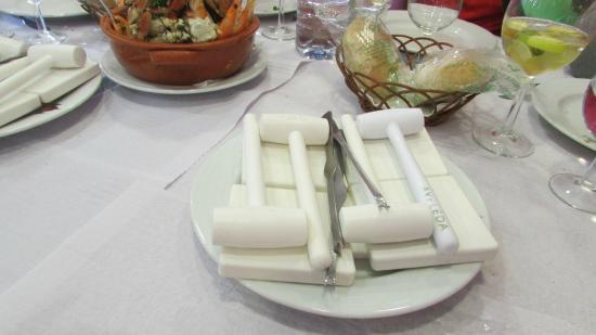 Caparica, Portugal: les marteaux et les pinces