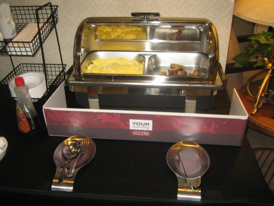 Comfort Inn: Hot Breakfast Station