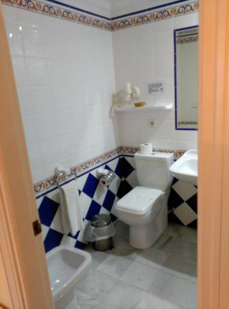 Hotel Dona Blanca: ducha muy comoda
