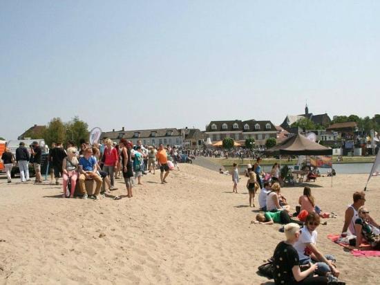 Hotel Cafe Restaurant Monopole: Beach