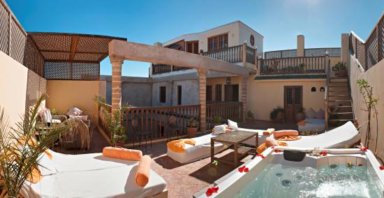 Riad Chbanate: Our relaxing and sunny terrace