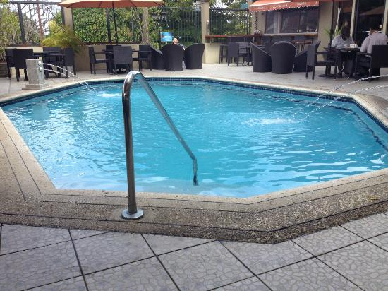 Trade Winds Hotel : Pool time!