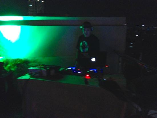 Pool Party with DJ Ran - Picture of Diamond Suites & Residences
