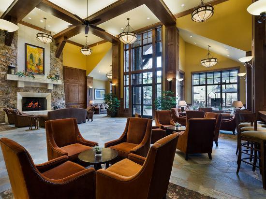 Grand Lodge on Peak 7: Grand Lobby
