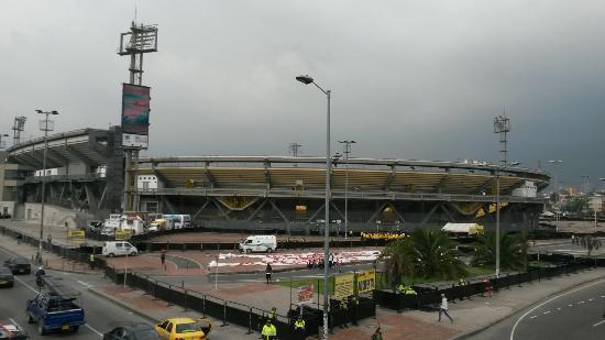 Estadio Nemesio Camacho : Parte externa