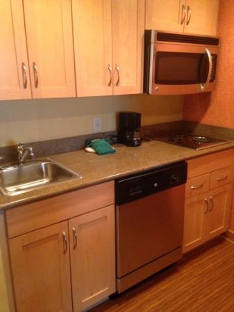 Homewood Suites by Hilton Columbus: suite kitchen