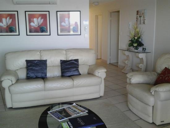 Windward Passage Holiday Apartments: salon
