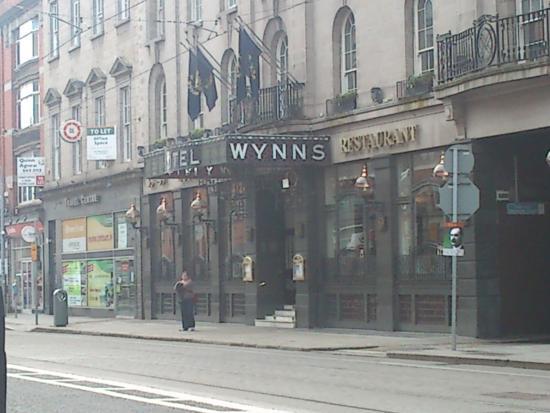 Wynn's Hotel: Entrada principal