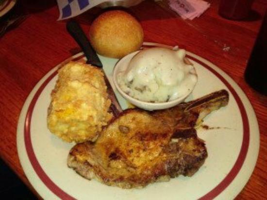 Dixie Cafe: grilled pork chop