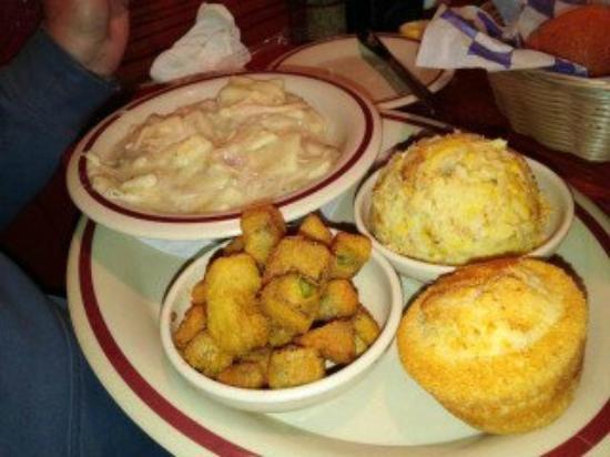 Dixie Cafe: chicken & dumplings