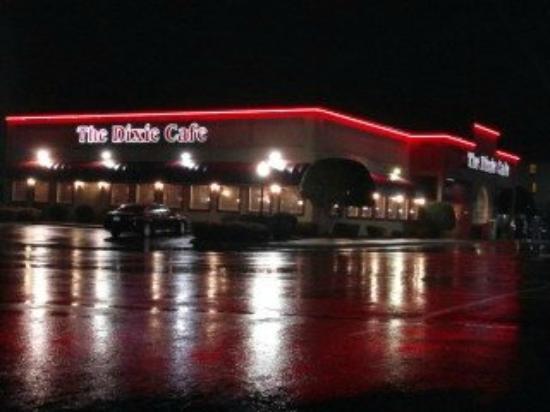 Dixie Cafe: dinner on a rainy night