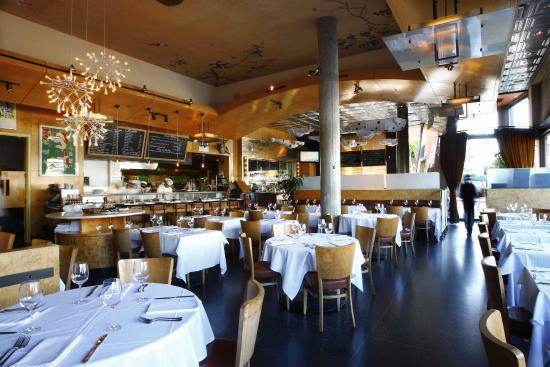 Chaya Venice : Dining Room (day)