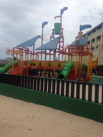 Iberostar Rose Hall Suites : Kids splash park