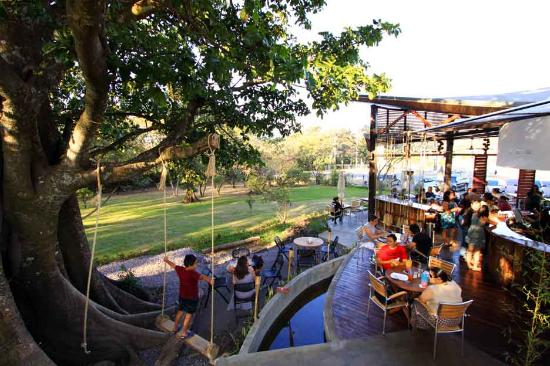 Tacobar Santa Ana: Outside swing