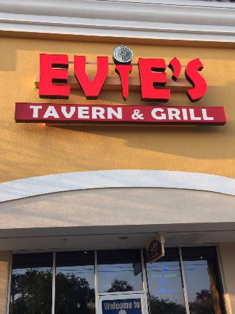 Evie's Tavern & Grill