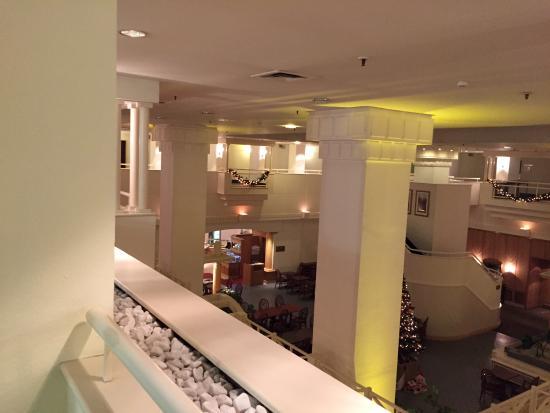 Stuttgart Marriott Hotel Sindelfingen: 2階からロビーの眺め