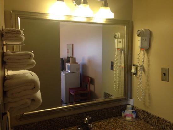 Knights Inn - Huntsville : Clean and organized