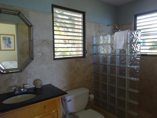 Evamer: Bathroom