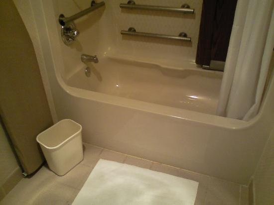 Does the height of this tub look \