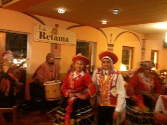 La Retama: Show de música e dança