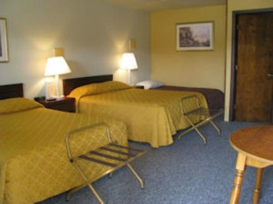 West Springfield, PA: Triple room in back for big groups
