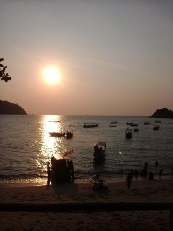 Nipah Bay Villa: sunset