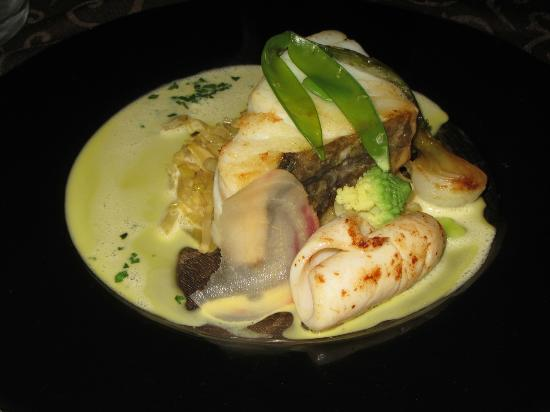Le XII - Douze de Luynes: Salt Cod with fennel and calamari