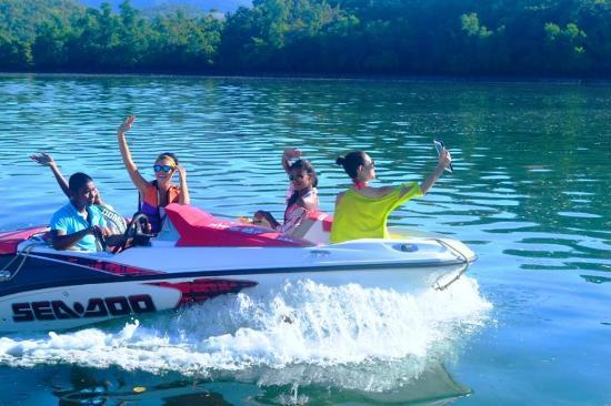 Water Activities At The Resort Picture Of Coron Underwater Garden Resort Coron Tripadvisor