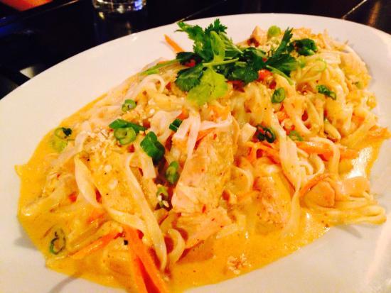 Double Black Noodle Bar: Red curry noodles
