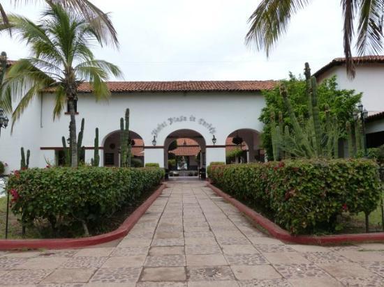 Hotel Playa de Cortes: Hotel Main Entrance