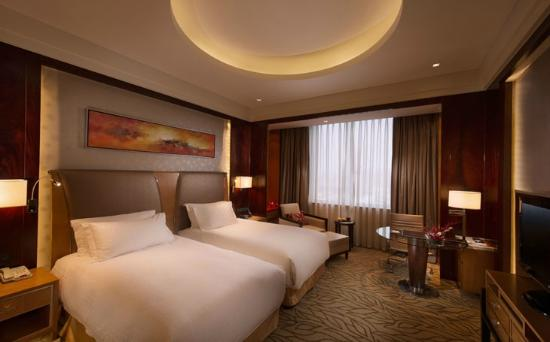 DoubleTree by Hilton Qinghai-Golmud: Deluxe Twin Bed Room