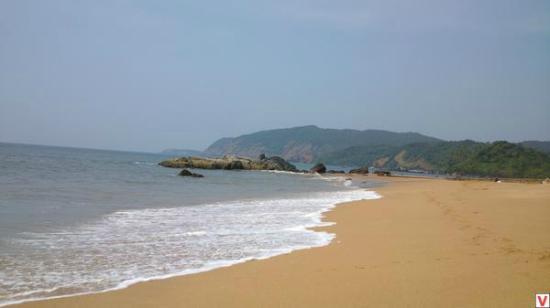 Om Sai Guest House: Пляж Кола.