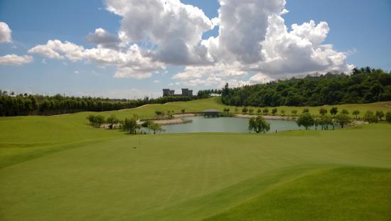 Sea Links Golf & Country Club: golf hole