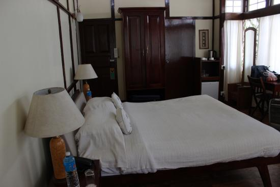 Cafe Shillong Bed & Breakfast: The Luxury Bedroom.